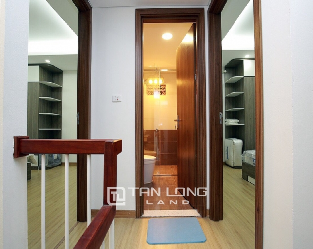 Beautiful 4-bedroom house for rent in 124 Au Co Str, Tay Ho Distr 8
