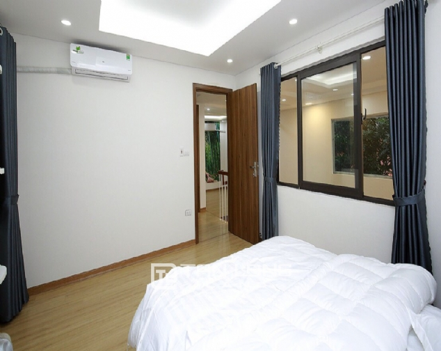 Beautiful 4-bedroom house for rent in 124 Au Co Str, Tay Ho Distr 10