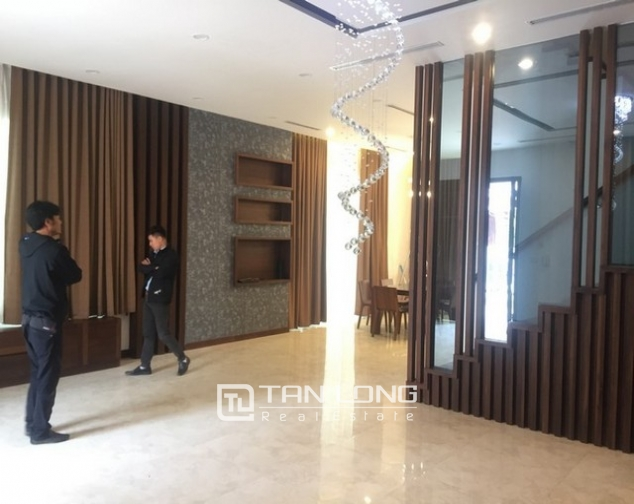 Beautiful Anh Dao villa area in Vinhomes Riverside, Long Bien district, Hanoi for rent 3