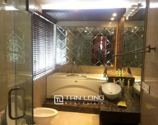 Beautiful Anh Dao villa area in Vinhomes Riverside, Long Bien district, Hanoi for rent 6
