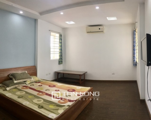 Beautiful apartment for rent at Au Co street, Tay Ho district, Hanoi 3