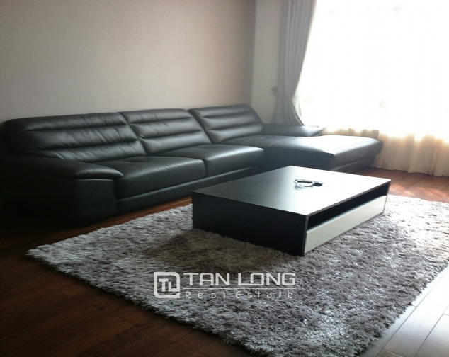 Beautiful apartment for rent in Nui Truc Street, Ba Dinh District, Hanoi. 2