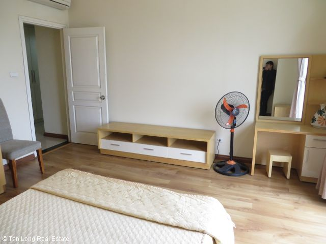 Beautiful apartment for rent in Vuon Dao, full furnished, 800 usd/ month 5