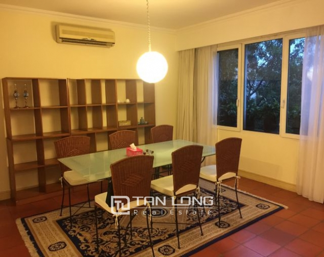 Beautiful apartment for rent on Nguyen Binh Khiem 4