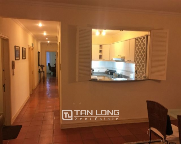 Beautiful apartment for rent on Nguyen Binh Khiem 5