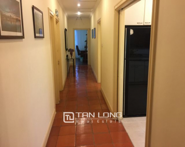 Beautiful apartment for rent on Nguyen Binh Khiem 6