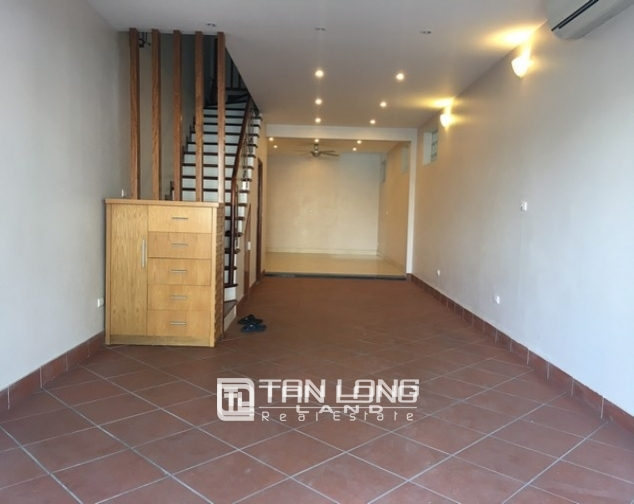 Beautiful house for rent in Tu Hoa street, Tay Ho dist 2