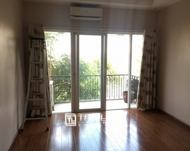 Beautiful house for rent in Tu Hoa street, Tay Ho dist 10