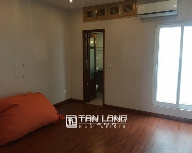 Beautiful house for rent in Tu Hoa street, Tay Ho dist 1