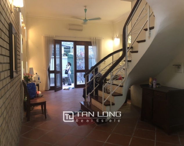 Beautiful house for rent in Tu Hoa street, Tay Ho district! 4