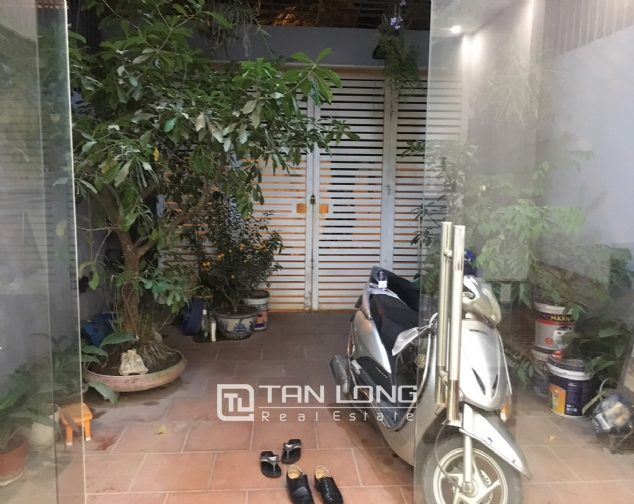 Beautiful house for rent with 5 bedrooms on Lac Long Quan - Au Co street, Tay Ho district! 1