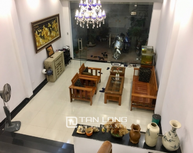Beautiful house for rent with 5 bedrooms on Lac Long Quan - Au Co street, Tay Ho district! 5