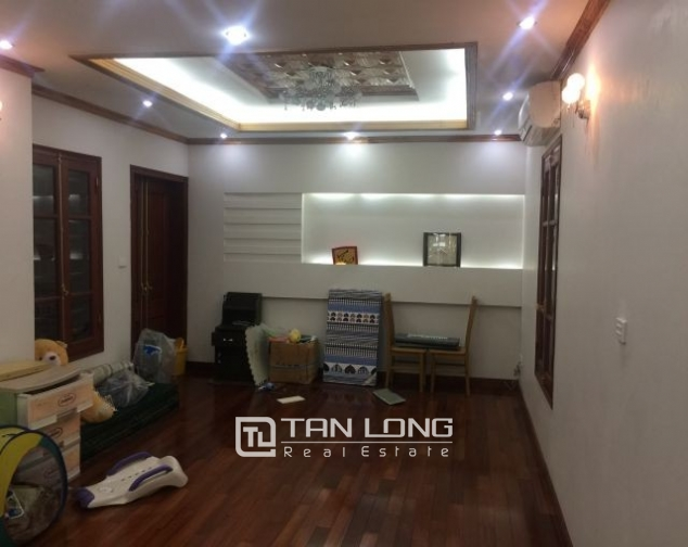 Beautiful house in Ly Thuong Kiet Street, Hoan Kiem district Hanoi for rent. 3