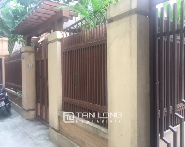 Beautiful house in Yen Phu street, Tay Ho district, Hanoi for rent 3