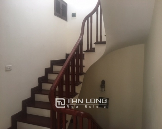 Beautiful house in Yen Phu street, Tay Ho district, Hanoi for rent 2