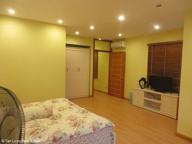 Beautiful serviced apartment for rent in Ngoc Lam street, Long Bien district 1