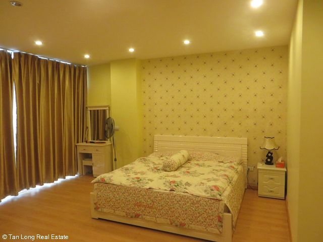 Beautiful serviced apartment for rent in Ngoc Lam street, Long Bien district 4