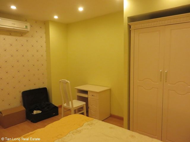 Beautiful serviced apartment for rent in Ngoc Lam street, Long Bien district 7