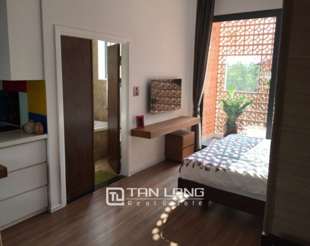 Beautiful  serviced apartment in Trieu Viet Vuong street, Hai Ba Trung street, Hanoi for rent 3