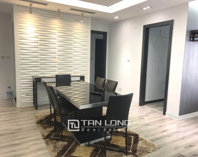 Beautiful view apartment Manderin Garden, Tran Duy Hung street Cau Giay district, Hanoi for lease 4