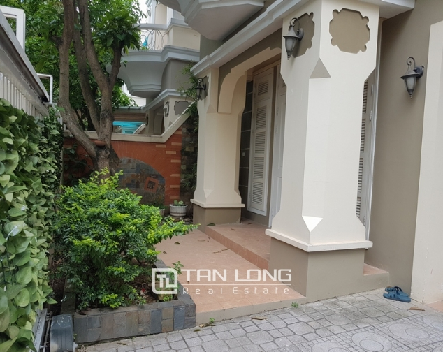 Beautiful villa in T4 Ciputra, Tay Ho district for rent 2