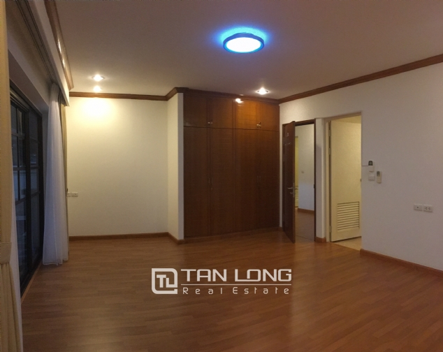Beautiful villa in Tay Ho street, Tay Ho district, Hanoi for rent 1