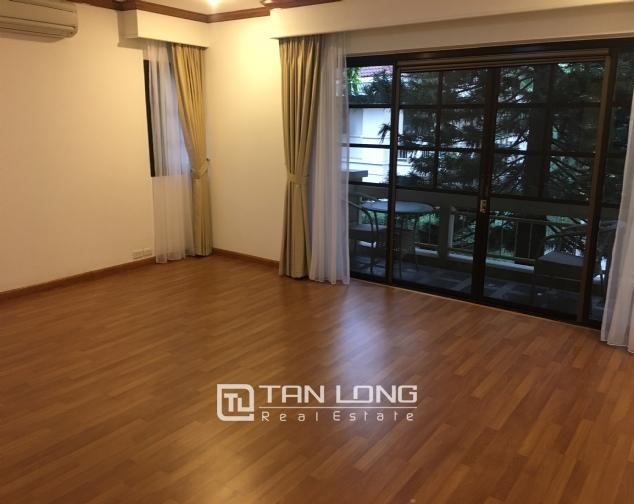 Beautiful villa in Tay Ho street, Tay Ho district, Hanoi for rent 2