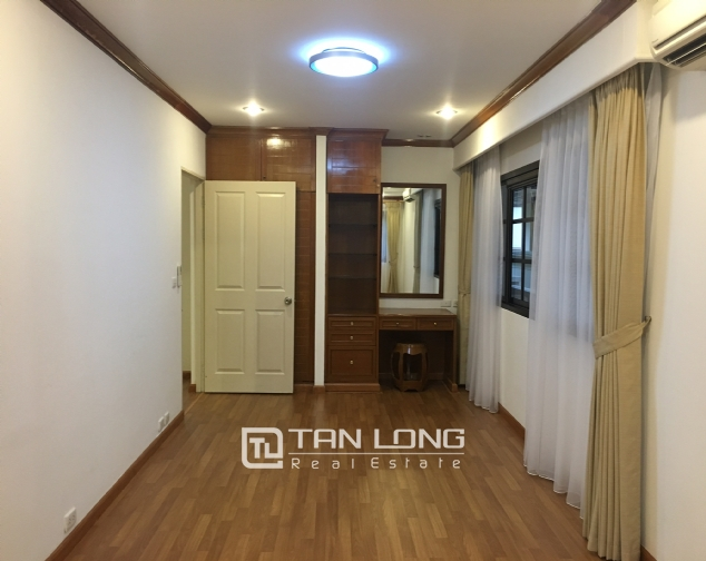 Beautiful villa in Tay Ho street, Tay Ho district, Hanoi for rent 4