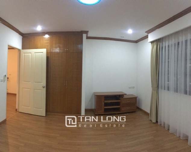 Beautiful villa in Tay Ho street, Tay Ho district, Hanoi for rent 5