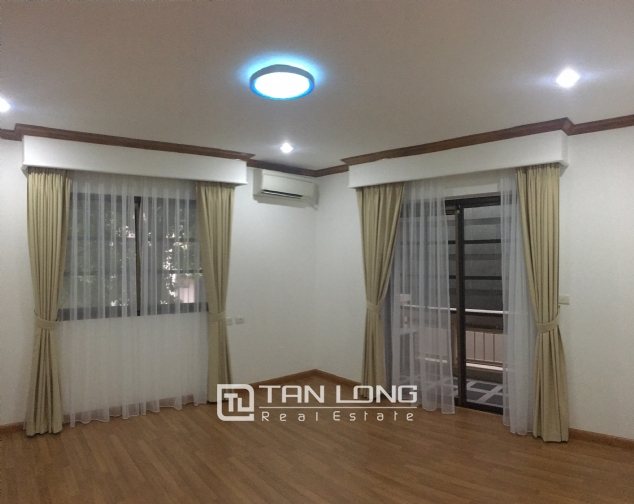 Beautiful villa in Tay Ho street, Tay Ho district, Hanoi for rent 6