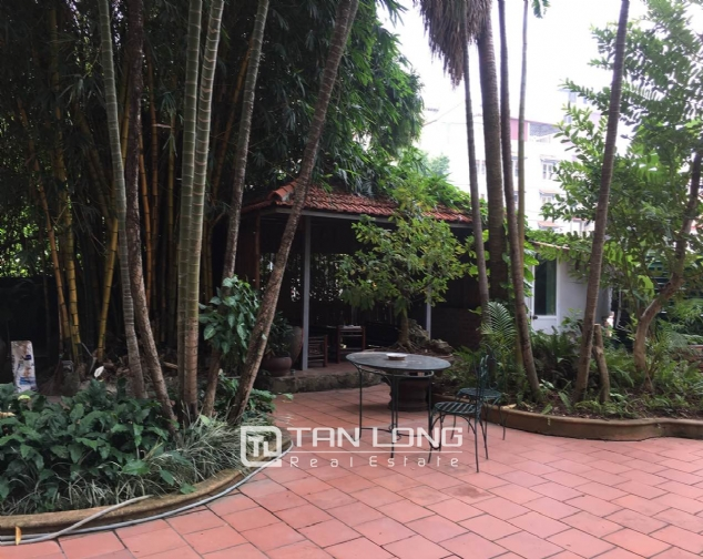 Beautiful villa with garden and swimming pool in Tay Ho district! 6