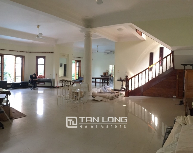 Beautiful villa with garden and swimming pool in Tay Ho district! 9