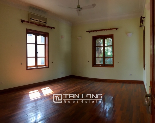 Beautiful villa with garden and swimming pool in Tay Ho district! 7