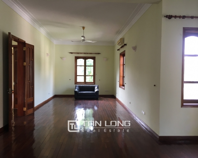Beautiful villa with garden and swimming pool in Tay Ho district! 10