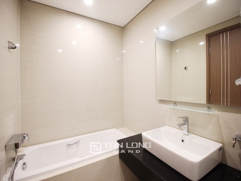 Best price and modern 3 bedroom apartment for lease in L3 tower The Link Ciputra 1