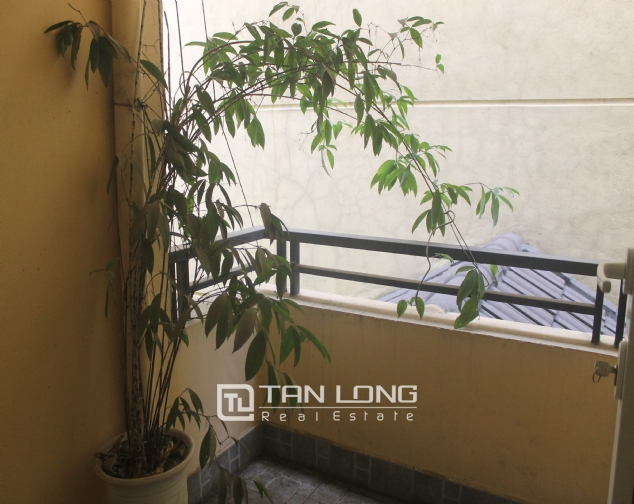 Big house in Thuy Khue street, Tay Ho district for rent. 1