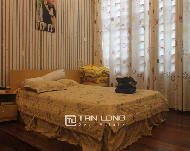 Big house in Thuy Khue street, Tay Ho district for rent. 5