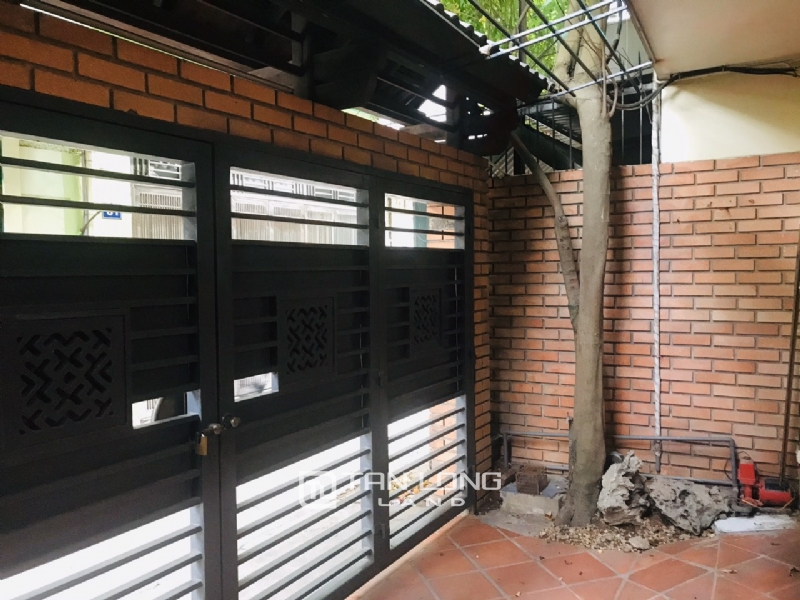 Big house with 4 bedrooms for rent on Au Co street, Tay Ho district 6