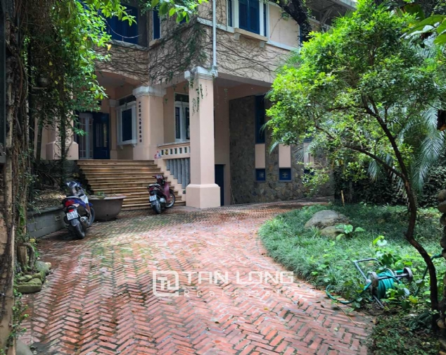 Big Villa For Rent on Trich Sai, Tay Ho 1