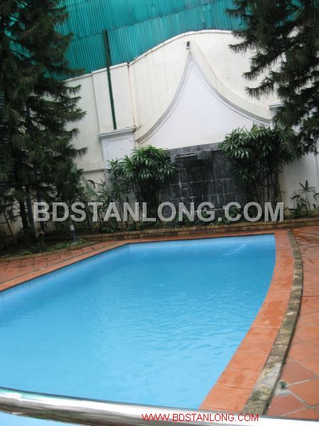 Big villa with 05 bedrooms in Tay Ho street is available now 2
