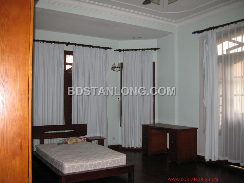 Big villa with 05 bedrooms in Tay Ho street is available now 6