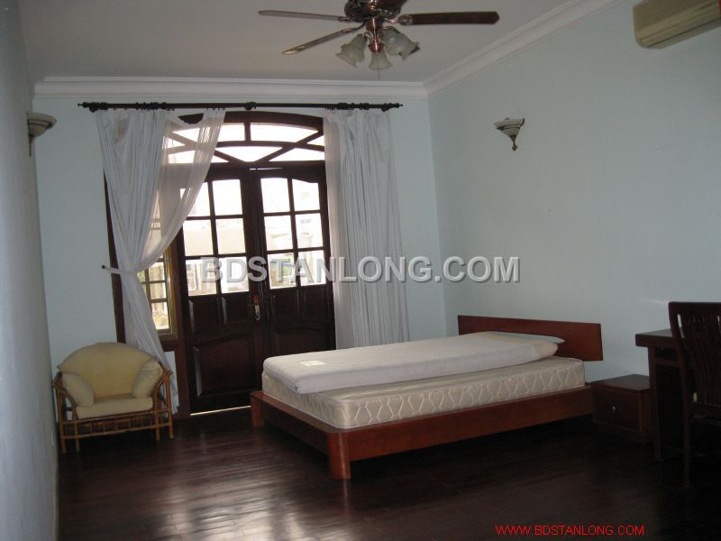 Big villa with 05 bedrooms in Tay Ho street is available now 7
