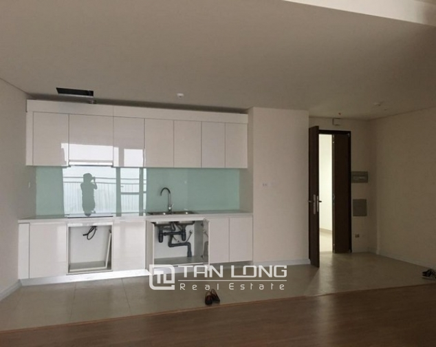 Brand new 3 bedroom apartment for rent in Mipec Riverside, Long Bien district 1