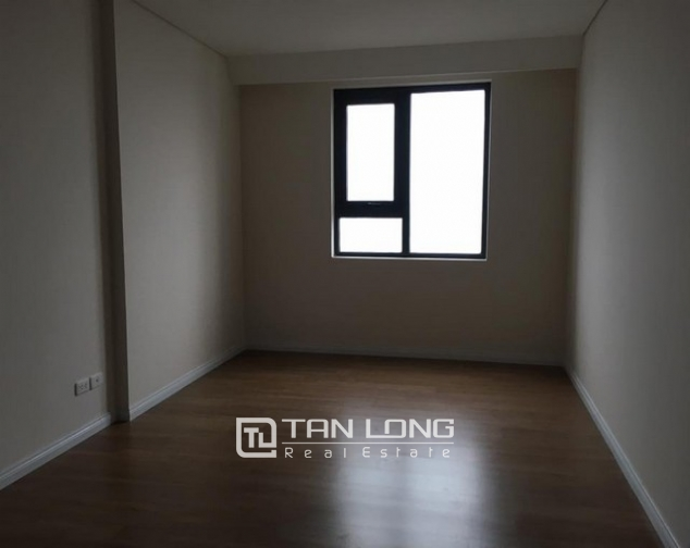 Brand new 3 bedroom apartment for rent in Mipec Riverside, Long Bien district 4