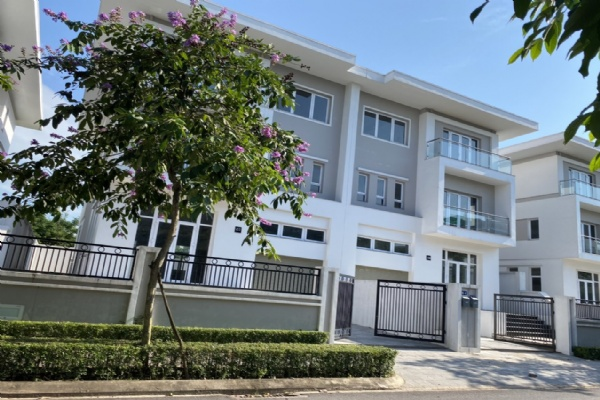 Brand new and modern 4 bedroom villa for rent in K Ciputra Garden ville