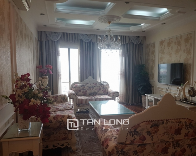 Brand new apartment with 4 bedrooms for rent in Tay Ho 1