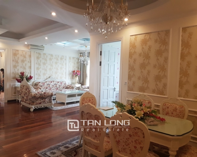 Brand new apartment with 4 bedrooms for rent in Tay Ho 2