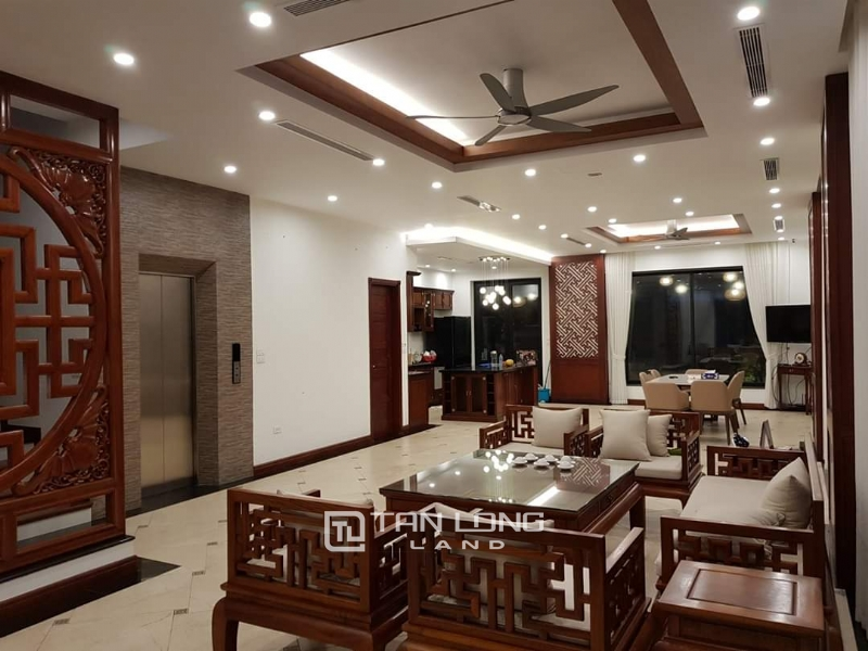 Brand New Furnished Vinhomes Riverside Villa With Elevator To Lease 8
