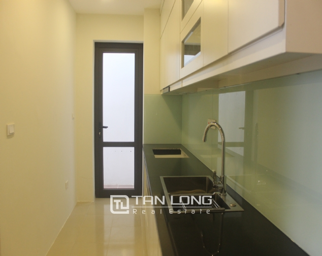 Brandnew apartment for rent in Lac Hong Westlake Building, Tay Ho district! 4