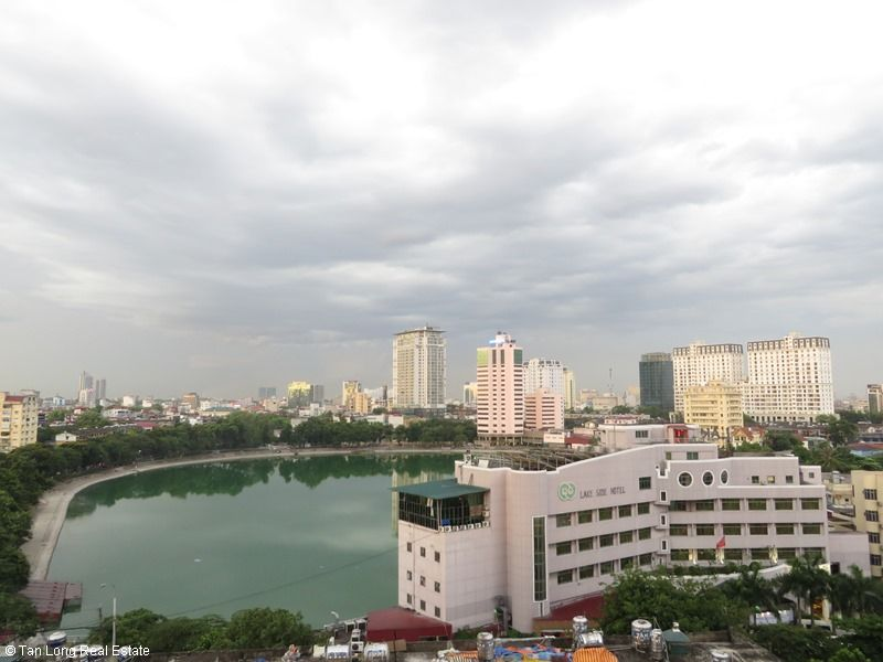 Brand-new apartment to rent on high-rise building in Ba Dinh district. 5